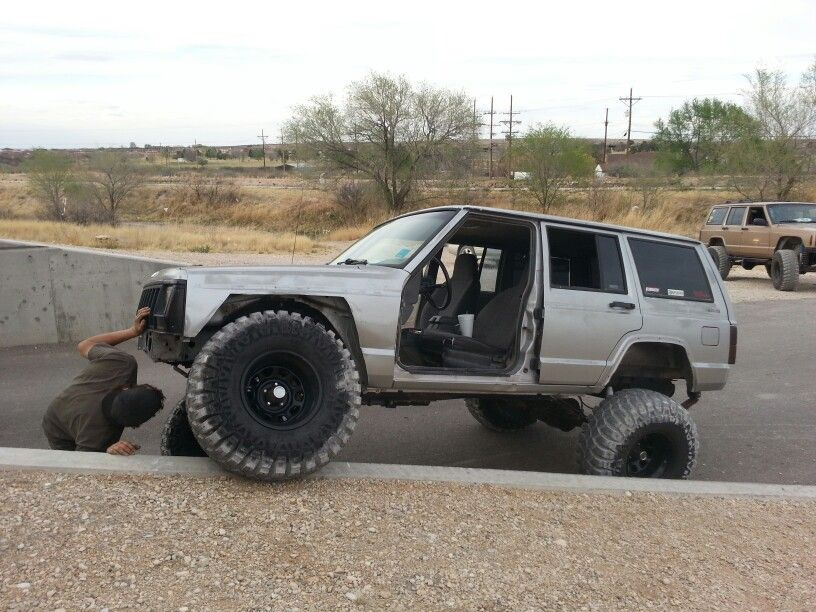 New 35s On Big Silv Jeep Jeep Cherokee Xj Jeep Xj Jeep Xj Mods