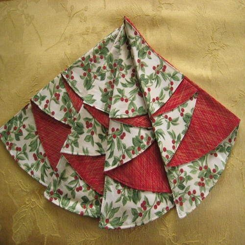 Christmas Tree Napkin Pattern: Folded+fabric+christmas+tree+napkins