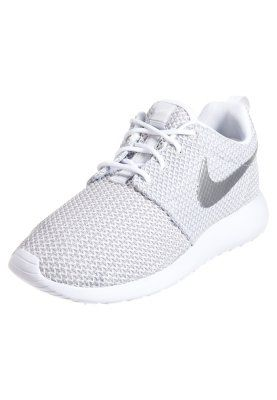Nike Vêtements De Sport Roshe Une - Chaussure Basse - Blanc / Platine Métallique