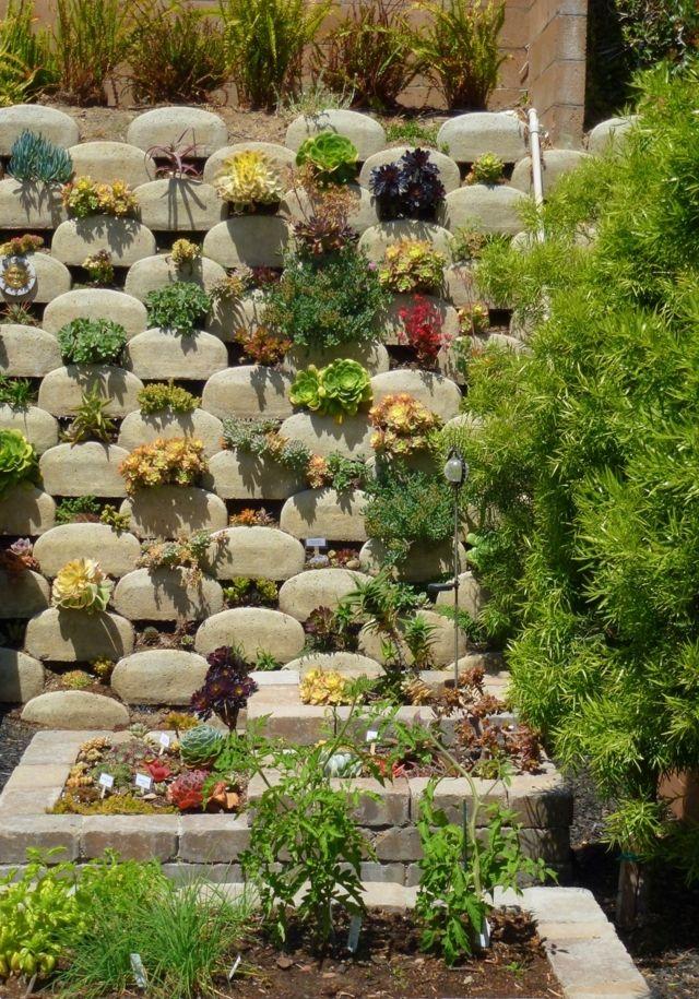 Sukkulente Ziegel bepflanzen Ideen vertikalen Garten anlegen - bauerngarten anlegen welche pflanzen