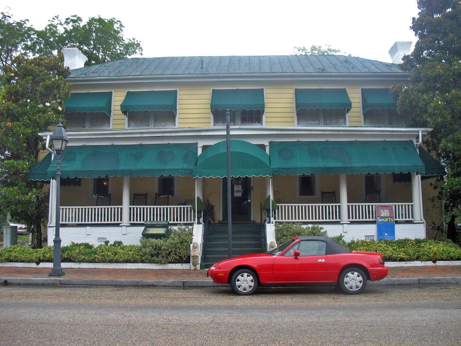Smithfield Inn Smithfield, Va. Outdoor decor, Decor