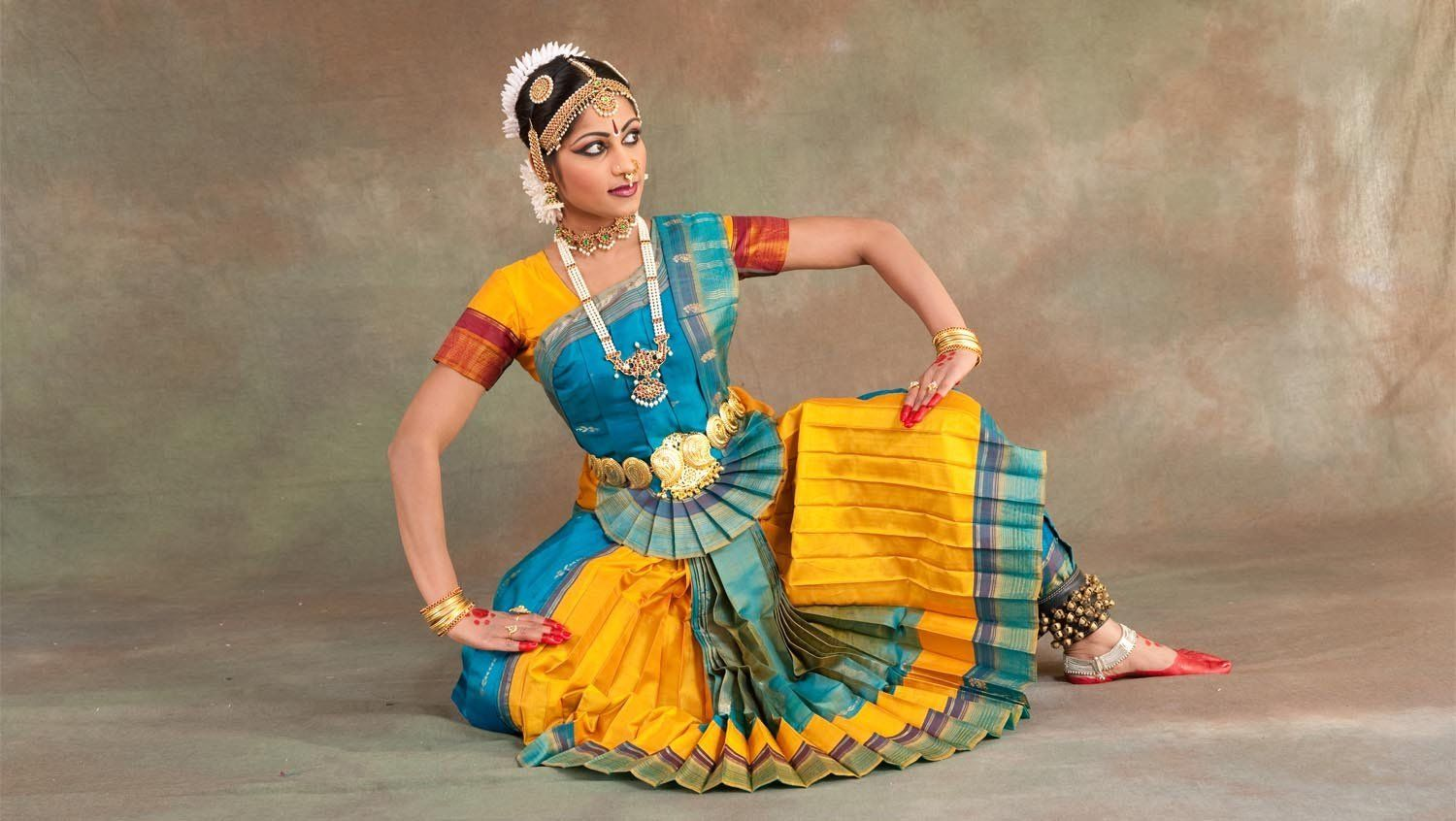 ade3eff82 Image result for bharatanatyam dress color combinations | Costume in ...