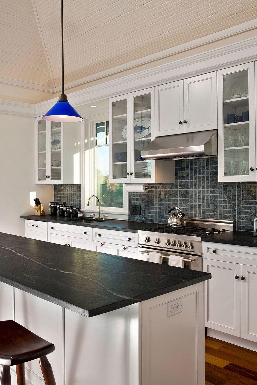 50 Black Countertop Backsplash Ideas Tile Designs Tips Advice Black Kitchen Countertops White Cabinets Black Countertops Backsplash For White Cabinets