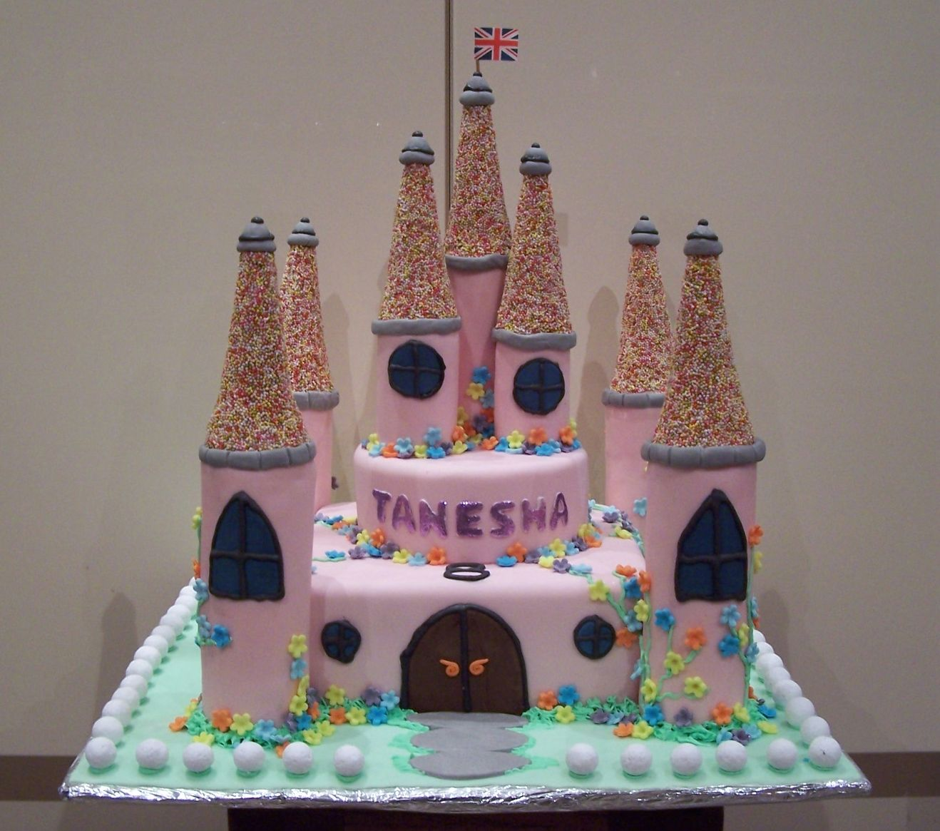 large fully edible pink girly castle cake | super birthday cakes