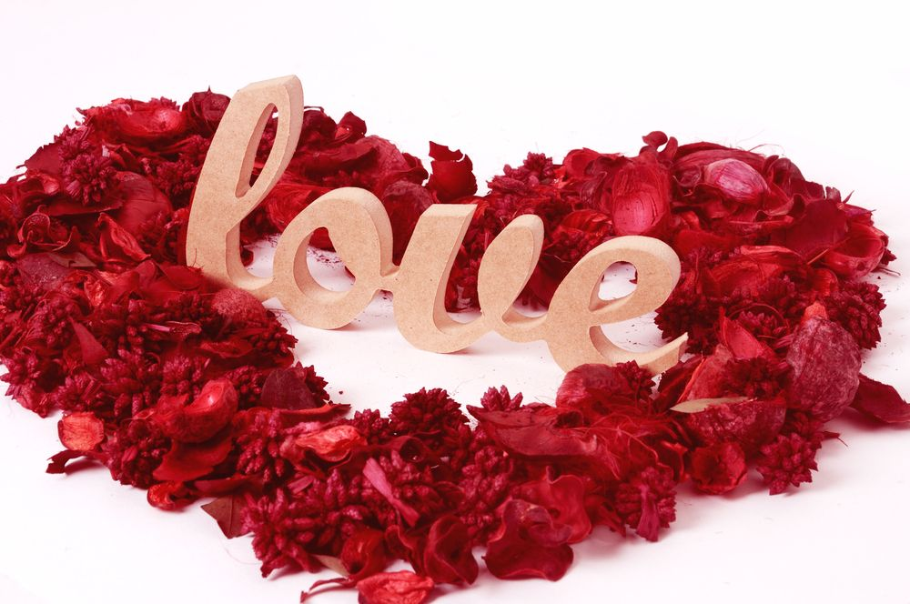 Romantic Gifts For Your Lady on the Valentineu0027s Day 2018 - valentines day gifts
