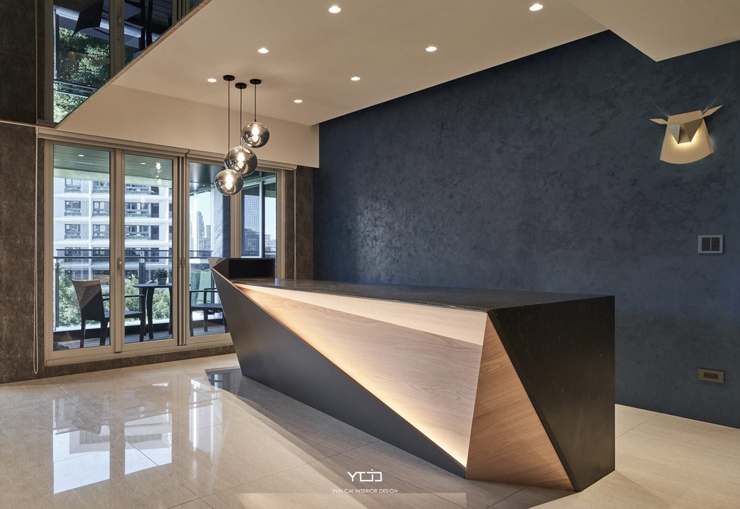 Pin By 張浚澤 On 室 櫃台 Counter Office Reception Table