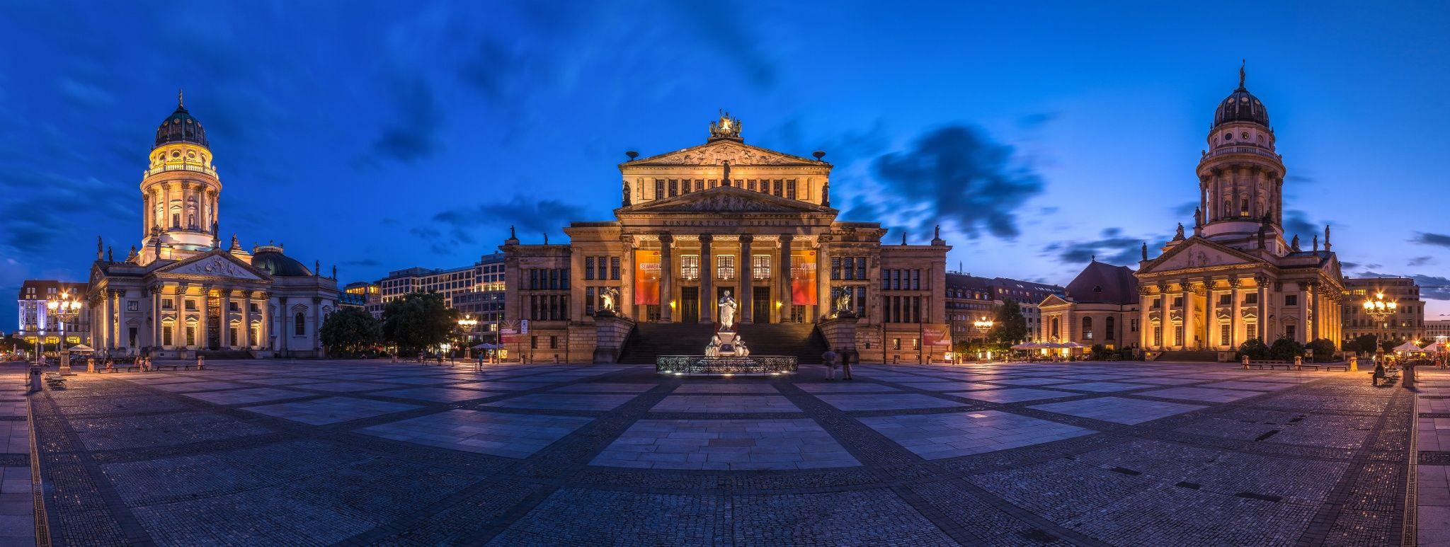 ღღ Berlin Gendarmenmarkt By Jean Claude Castor Visit Germany