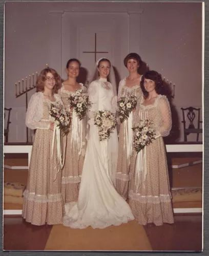 Old Ugly Wedding Dresses: Vintage 1982 Color Photo Pretty Girls Bride Bridemaids