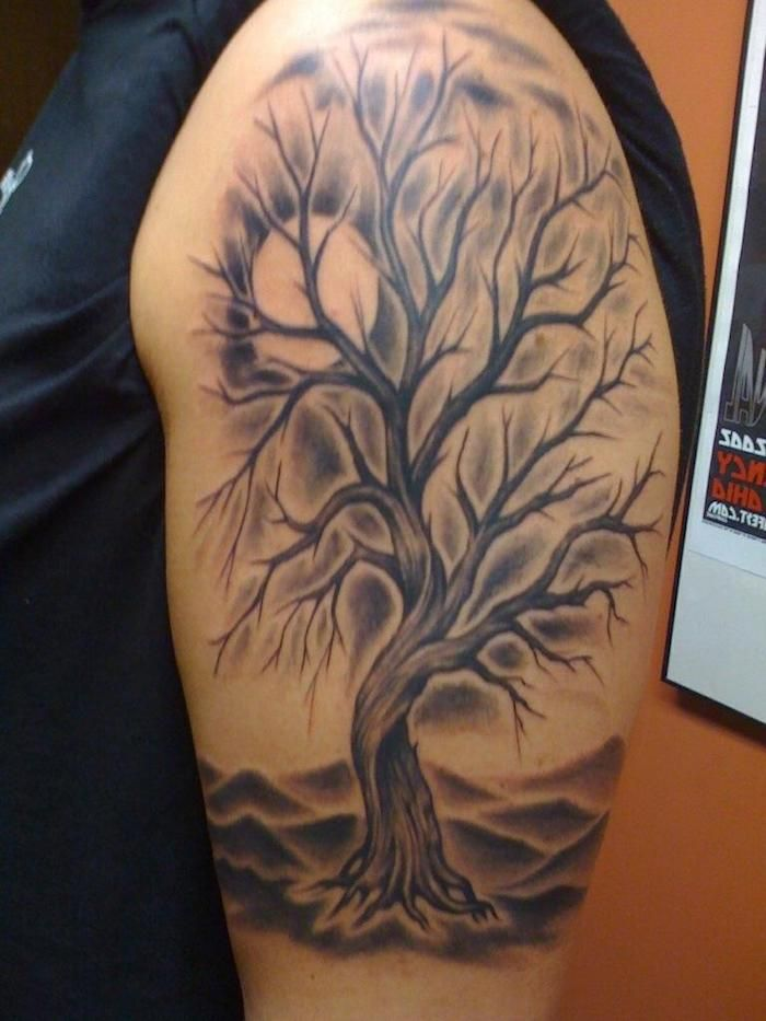 1001 ideen f r lebensbaum tattoo zum inspirieren und entlehnen lebensbaum sonne und das leben. Black Bedroom Furniture Sets. Home Design Ideas
