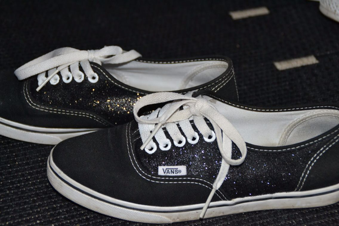 Diy glitter vans cant wait to try these spray paint