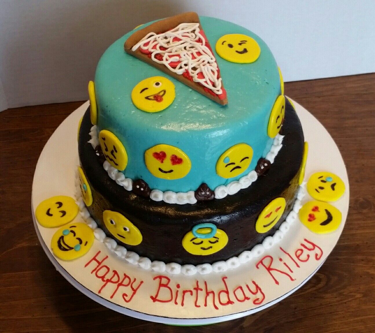 Emoji birthday cake Diz Cake Designs Pinterest Cake ...