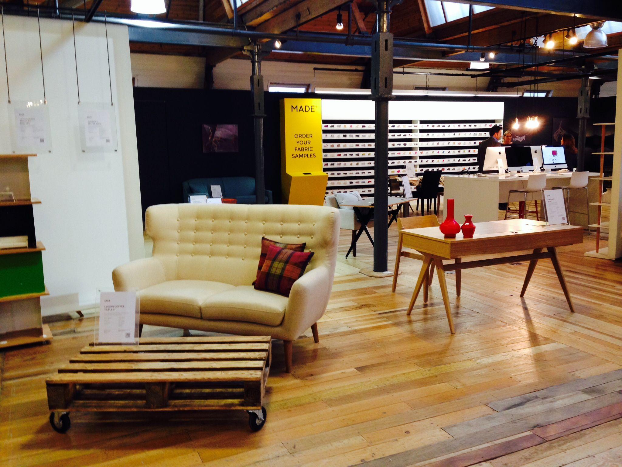 Made Com Redbrick Showroom Furniture Pinterest # Muebles Zientte Medellin