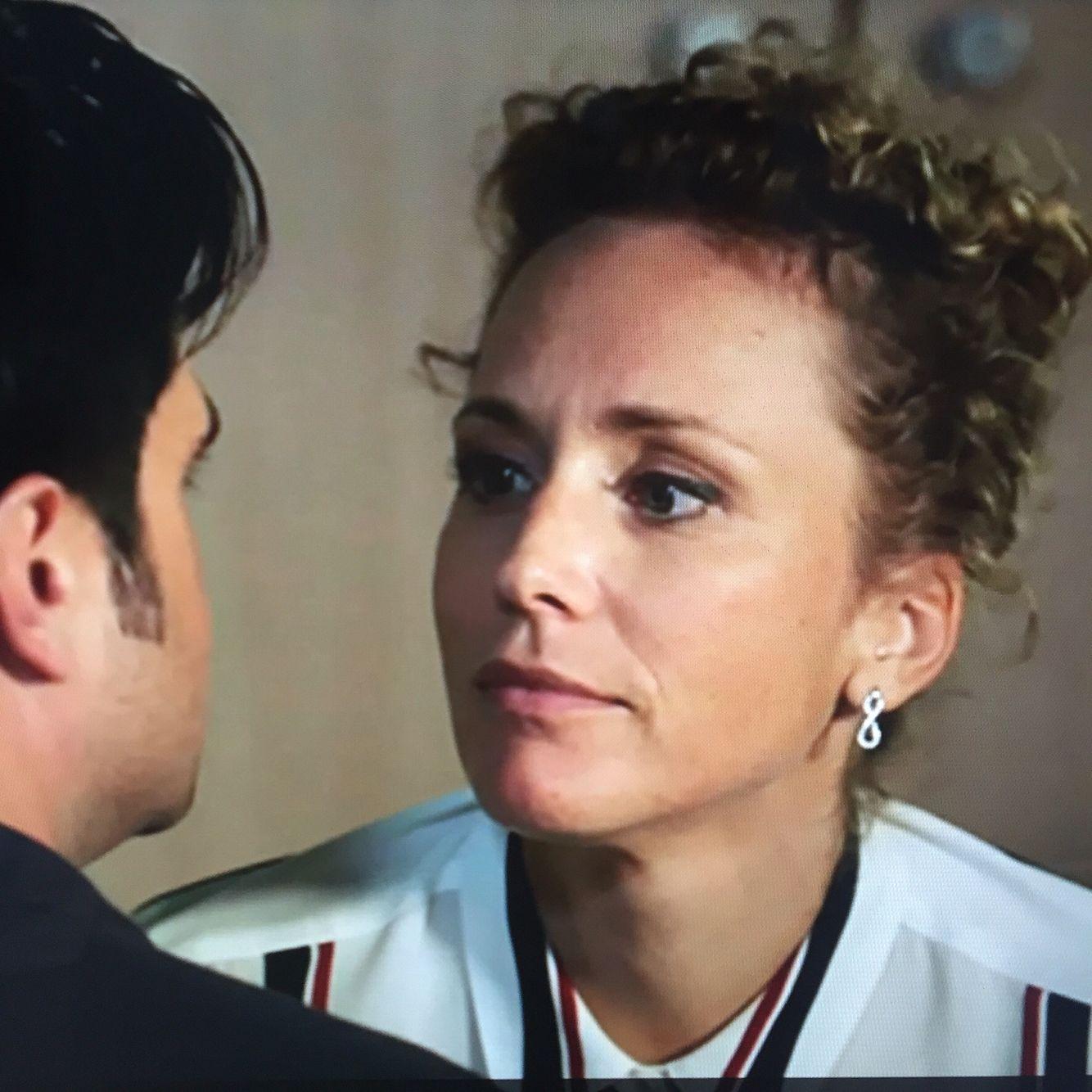 Classic Smile Dr. Von Arnstett (Claudia Hiersche) Betty's