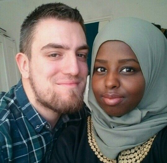 Muslim girl dating white guy