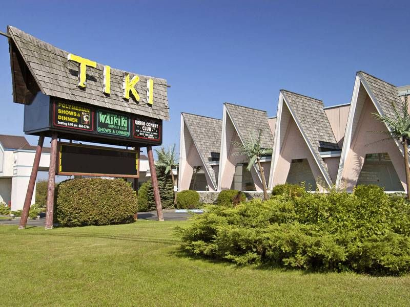 Tiki resort lake george ny where to stay lake for Design hotel upstate new york