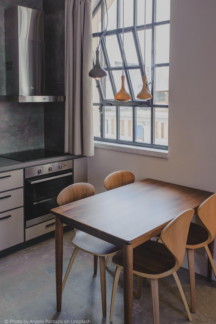 Idee Peinture Salon Cuisine cuisine : idée d'aménagement avec une une petite table