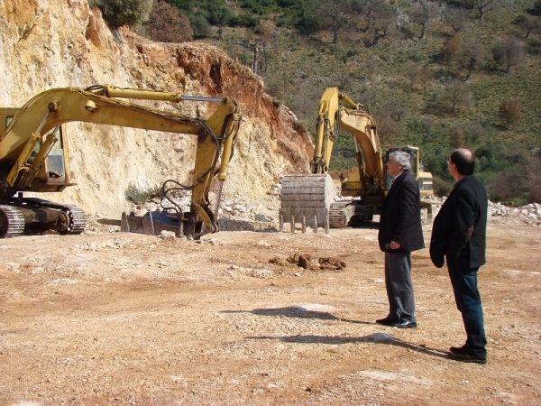 Πρέβεζα: Ξεκίνησαν οι εργασίες αποκατάστασης στο δρόμο Καμαρίνα- Ωρωπό