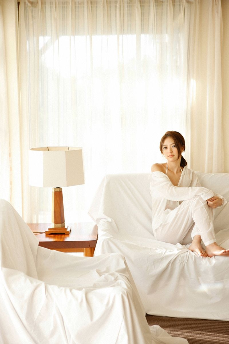 Rina Aizawa : 逢沢りな