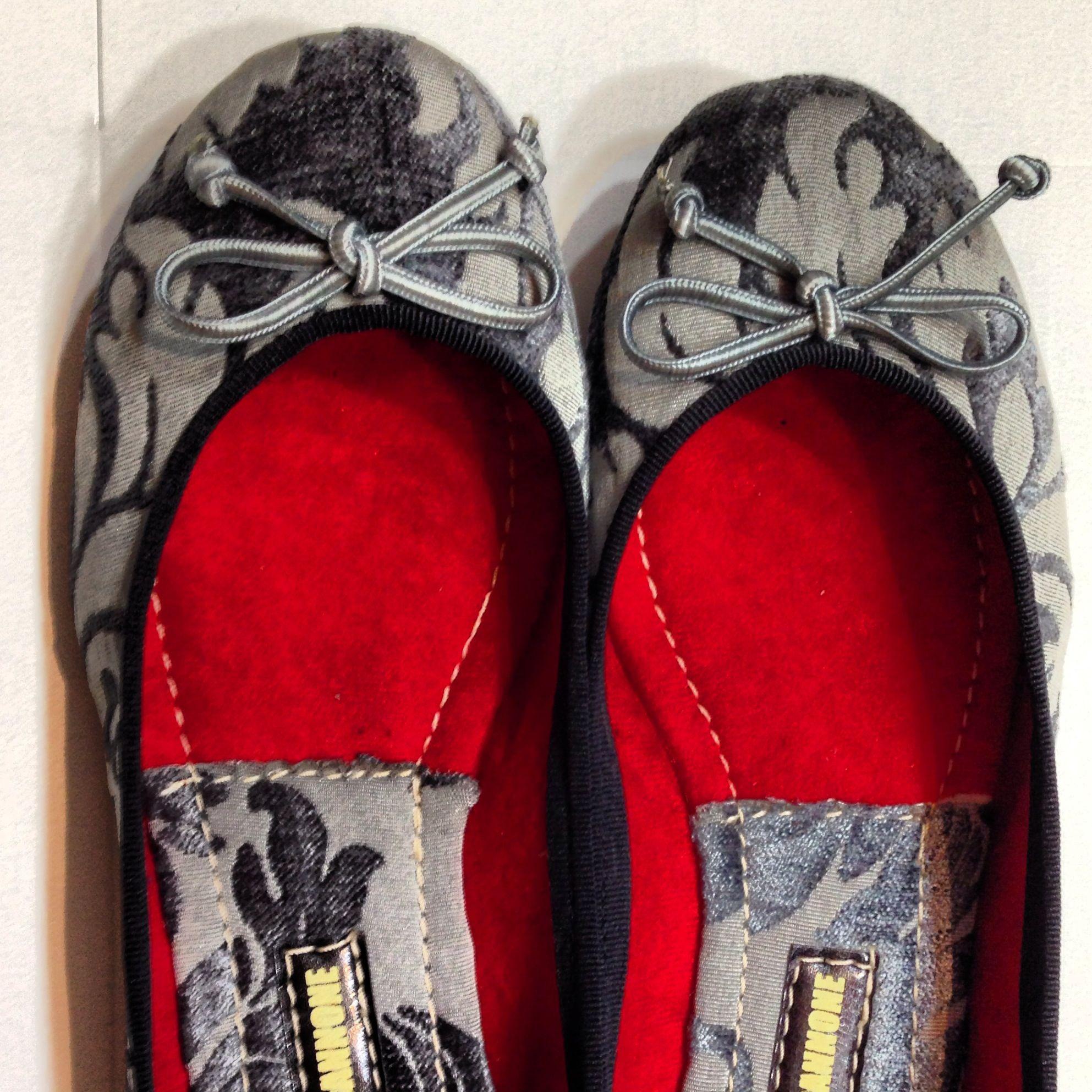 Silver Arabesques!!! #shoes #flats #ballerinas #fashion #caracas ventas al mayor: eduardo.scannone@gmail.com
