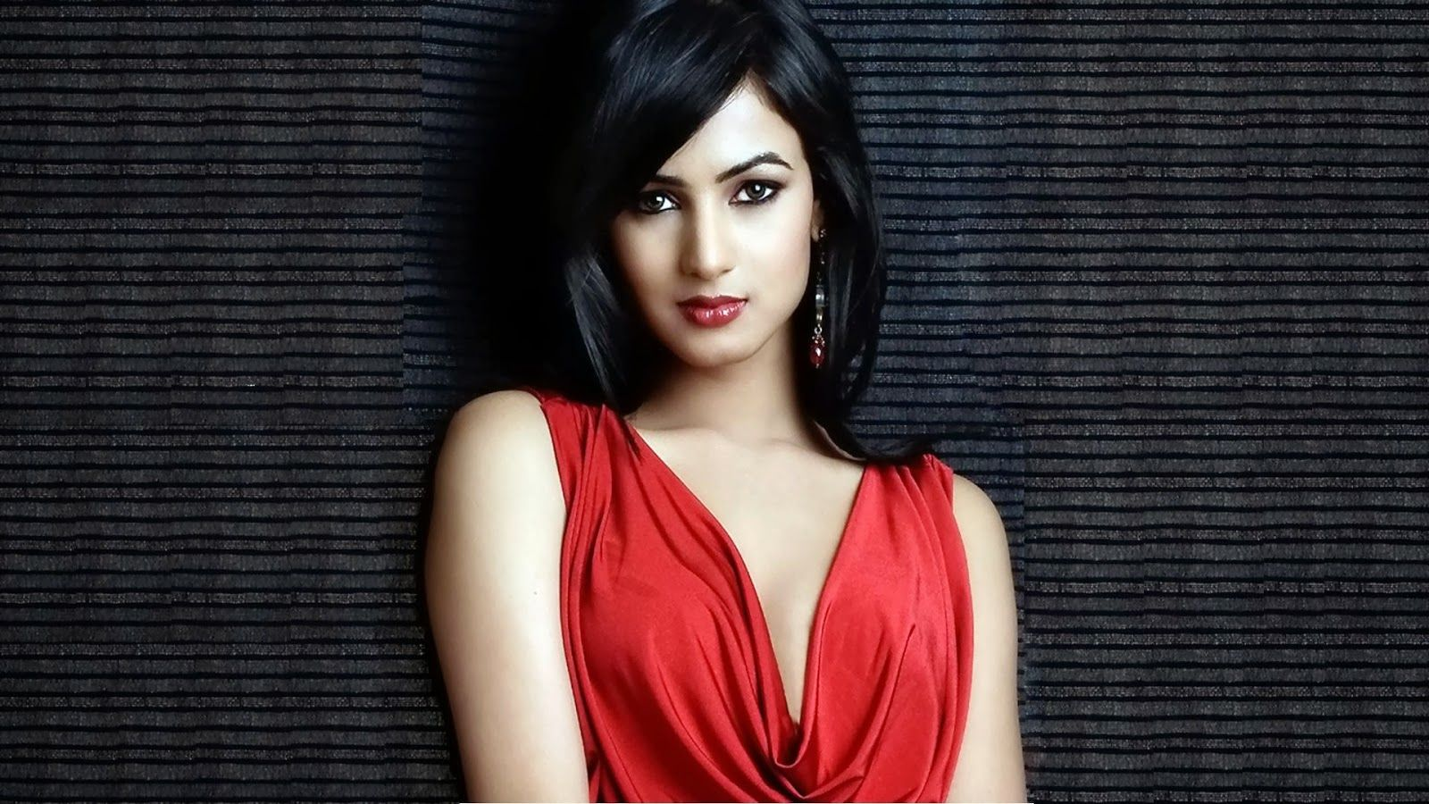 sonal chauhan beautiful hd wallpaper | adorable wallpapers