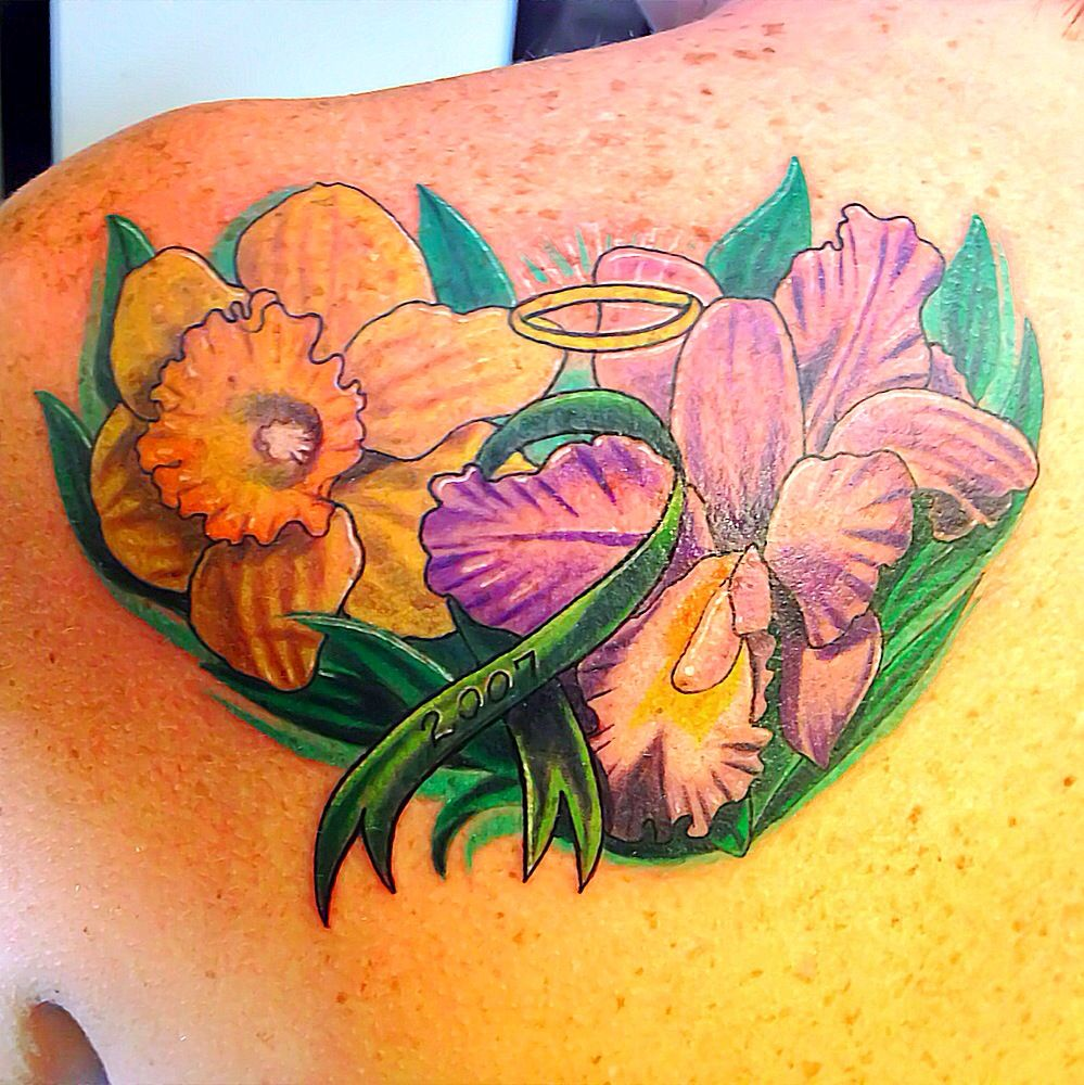 kidney donor tattoo with daffodil and iris flower vic 39 s tats pinterest kidney donor. Black Bedroom Furniture Sets. Home Design Ideas