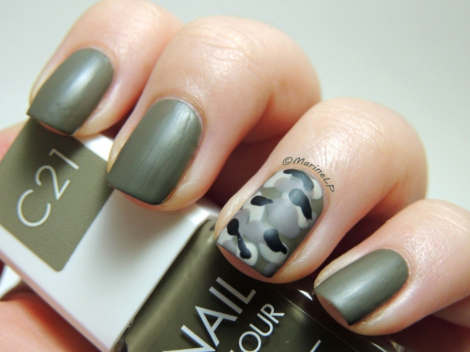 une - c21 camouflage nail