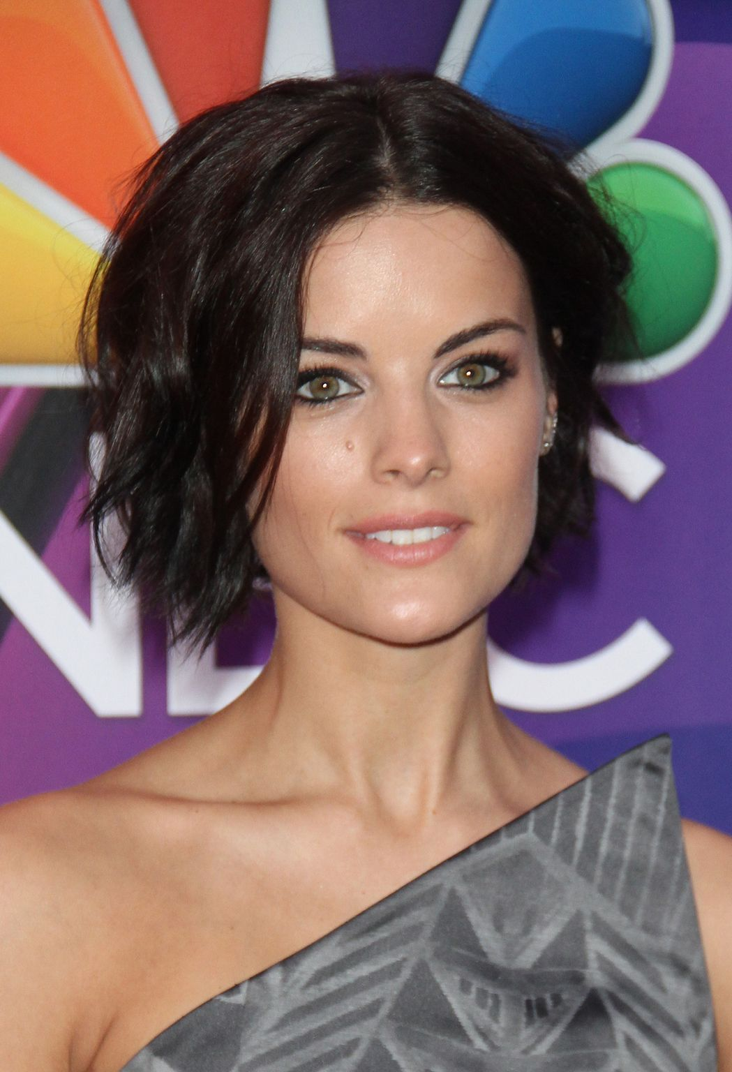 Coiffure Cheveux Court Wavy Jaimie Alexander Short Wavy Hair Fashion And Style