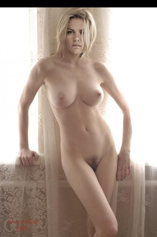 brooklyn decker nude