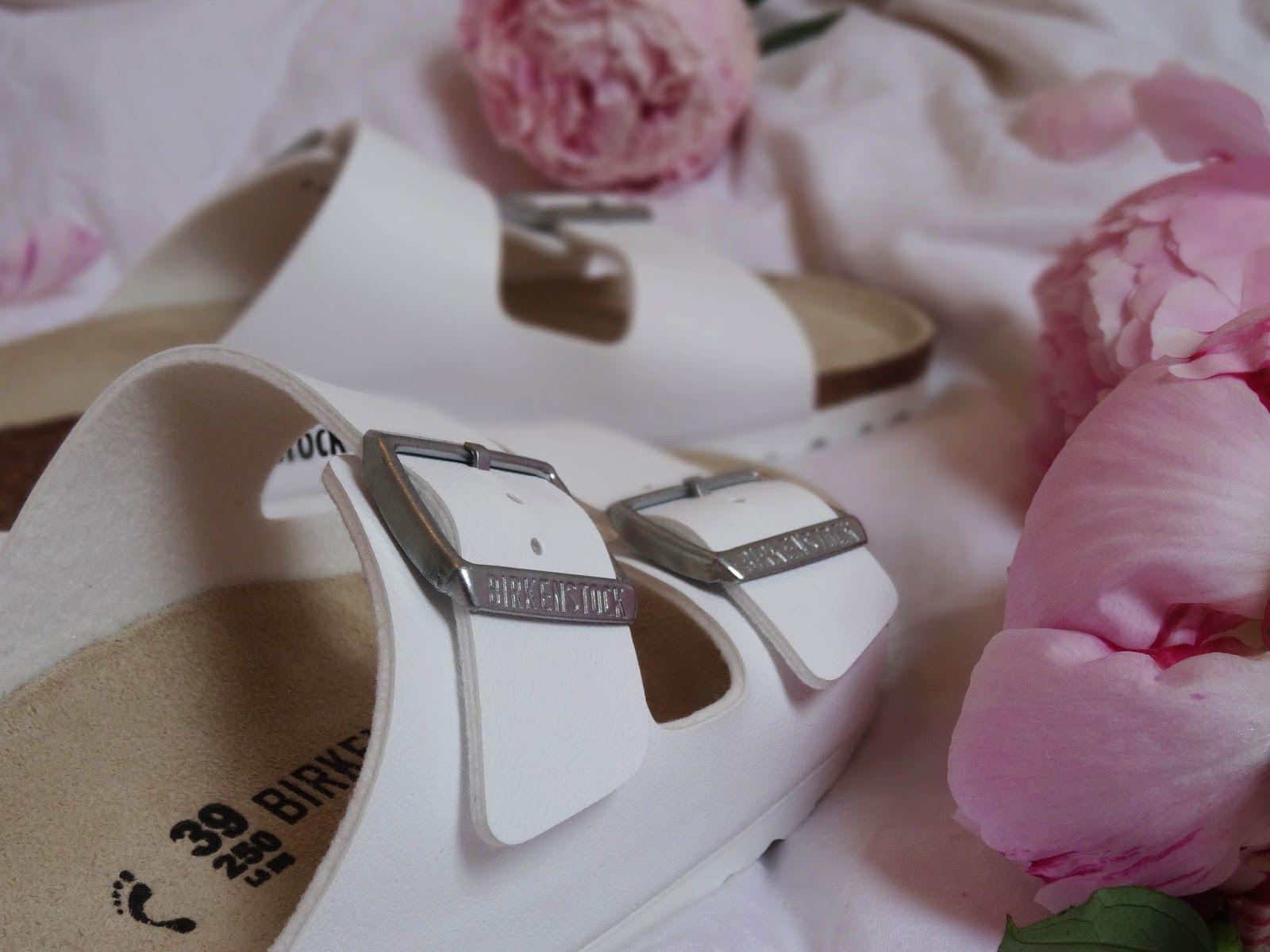 BIRKENSTOCK Arizonas #fashion #birkenstock #summer #white #flowers #pink #fblogger #fashionblogger #blogger #blogpost