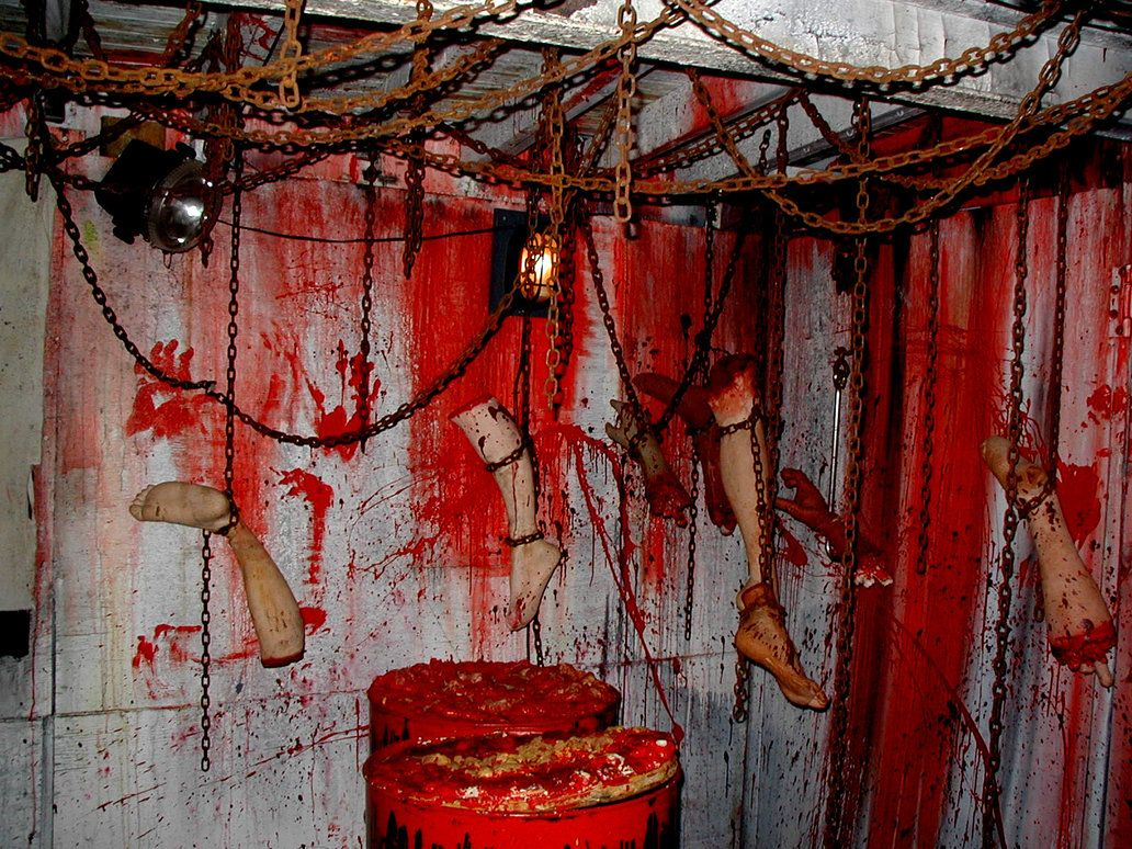 chained ceiling this is what the chop shop needed Halloween - Halloween House Decoration