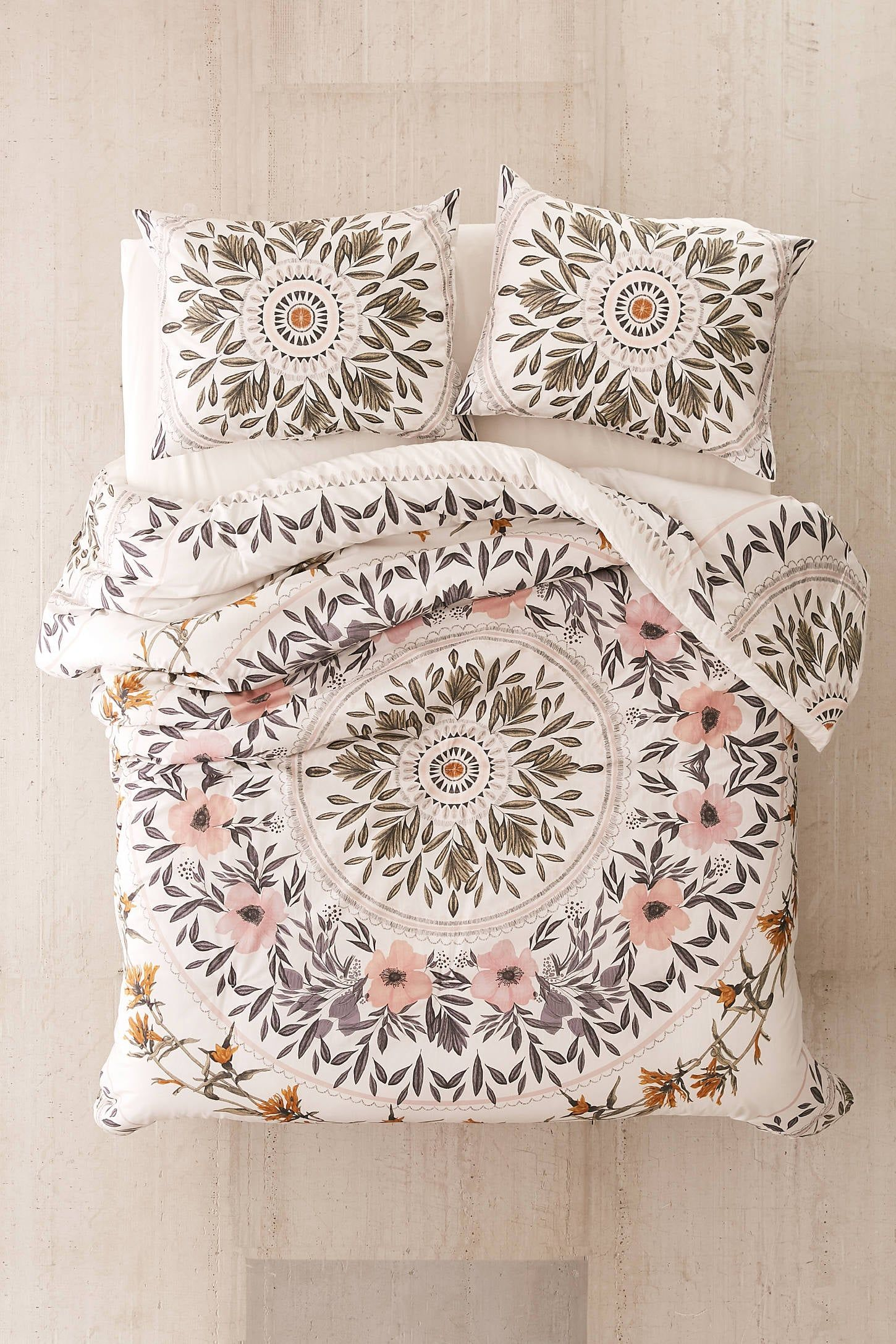 Photo of Believe Us, You're Going to Want ALL of These College Dorm Room Bedding Sets