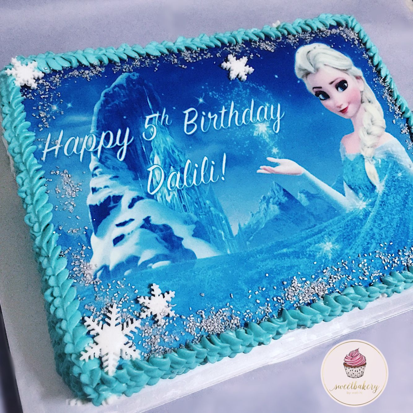 Frozen Sheet Cake With Edible Image Frozen Birthday Cake Frozen