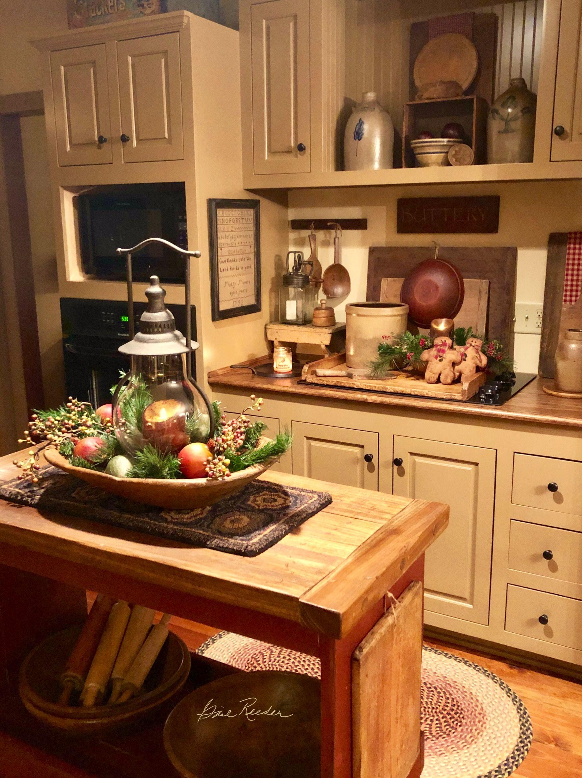Pin By Suzi Prather On Christmas Kitchens And Displays Primitive Kitchen Decor Primitive Kitchen Primitive Kitchen Cabinets