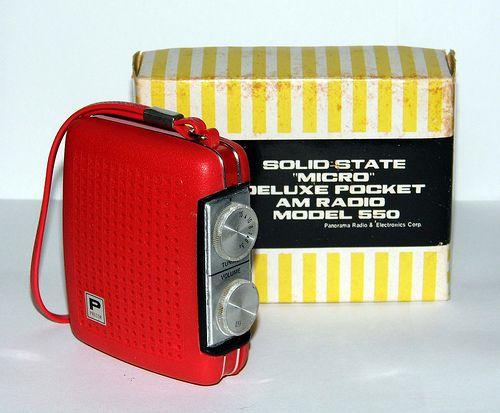 "Vintage Precor ""Micro"" AM Radio, Model 550, Panorama Radio & Electronic Corp., Made in Taiwan."