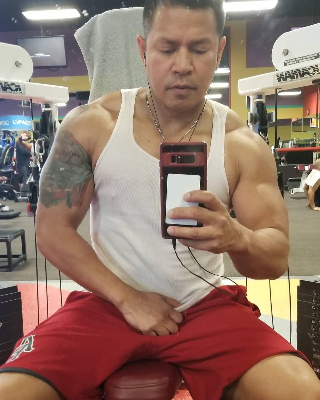 Gettin My Swole On Fitfam 808to702 Vegaslife Gym Fitfam Gymselfie Fitness Gymrat Gymbunny Swole Flex Work S Fitness Gym Rat Swole