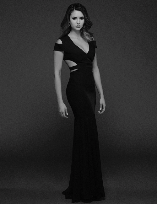 New promotional picture of Nina Dobrev for The Vampire Diaries season 6