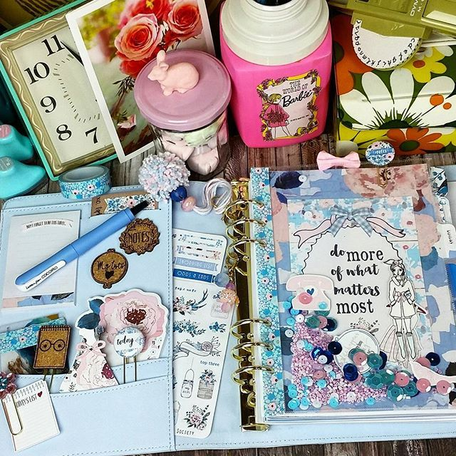 Worked on my March #planner set up I just love how this month's #theplannersociety kit looks in the Kikki K #plannergirl #plannernerd #a5