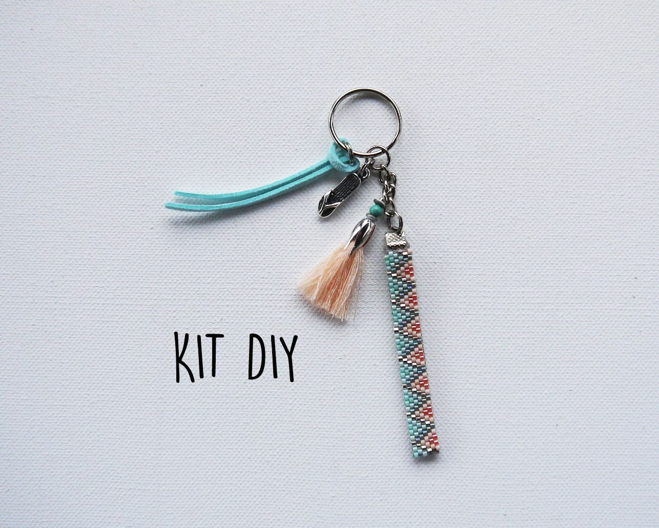 idée cadeau Kit DIY Porte clés ou bijou de sac tons vert et abricot