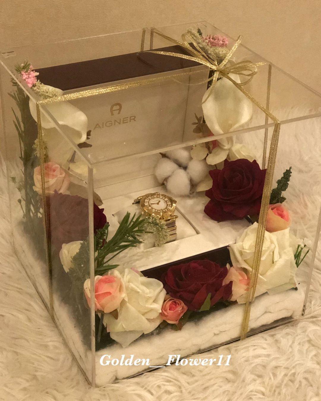 تم تصميمها بالورد الصناعي الجميل لتبقى ذكرى مخلده ممن أهداك بحب اكريلك هدايا Flowers Wedding Flowers Flowers Floral