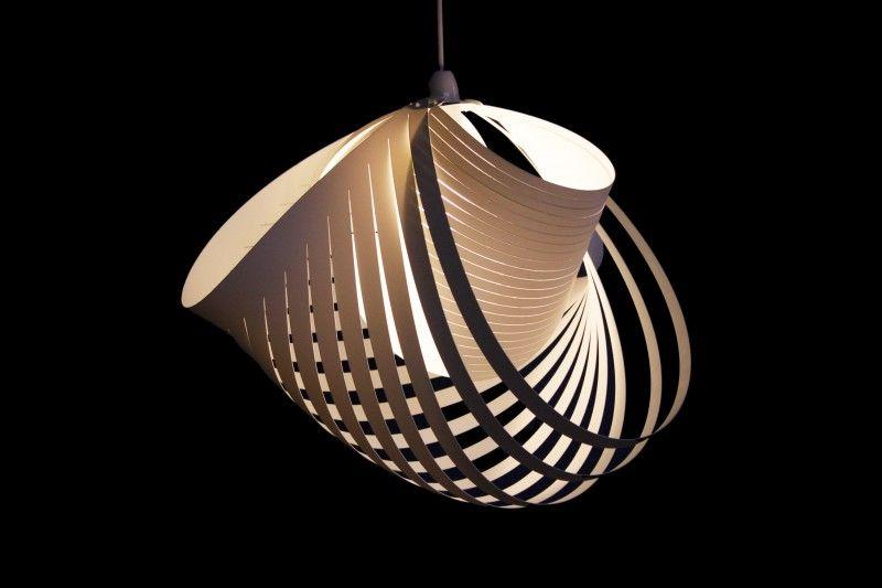 Design Wunder Aus Papier Diese 25 Leuchten Sind Gebastelt Lampenschirm Papier Pendelleuchten Design Schone Lampen