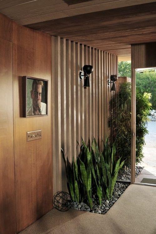 Ojo! pared madera y plantas TerrazaEstudio Pinterest Entrada - pared de madera