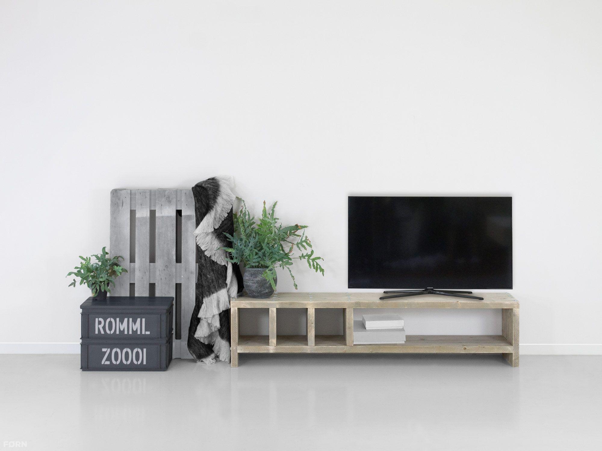 Wohnideen Drittes Zimmer bauholz tv lowboard martin bauholzmoebeldesign de tv möbel holz