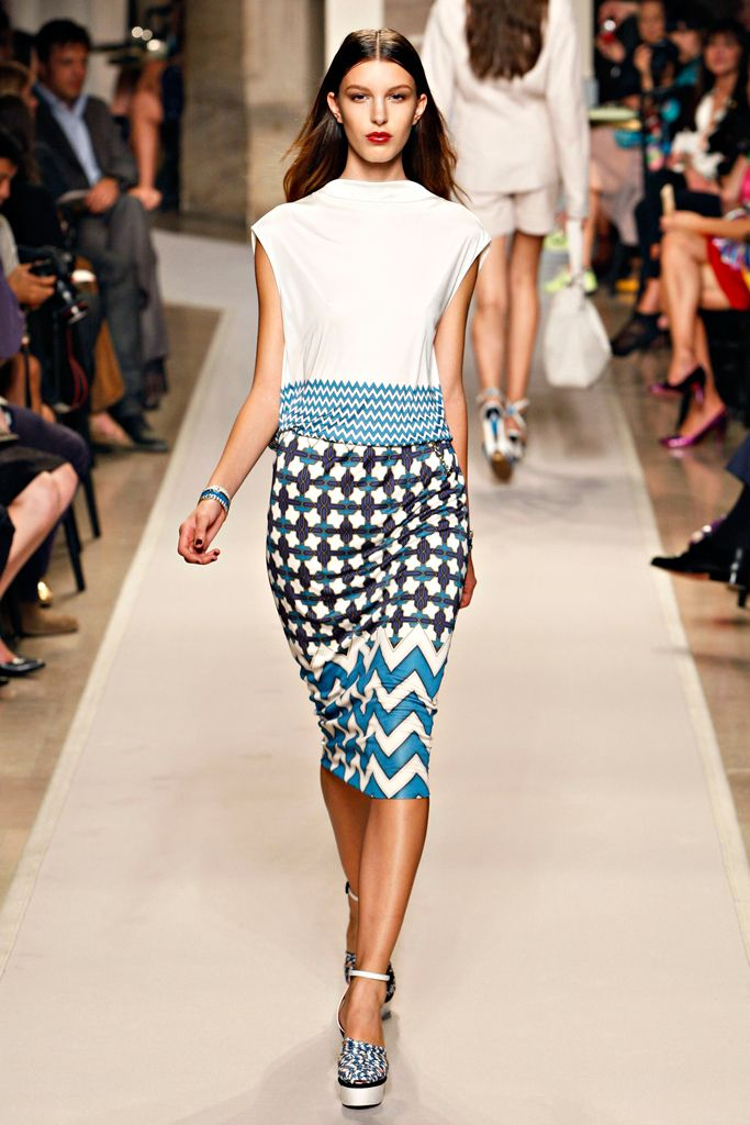 Loewe Spring 2012 Ready-to-Wear - Collection - Gallery - Style.com