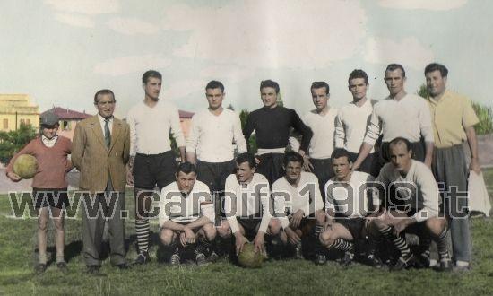 1951-52: sotto la guida del reggiano Ivan Violi i biancorossi disputano un bel campionato di serie D stazionando perennemente nelle prime posizioni di classifica