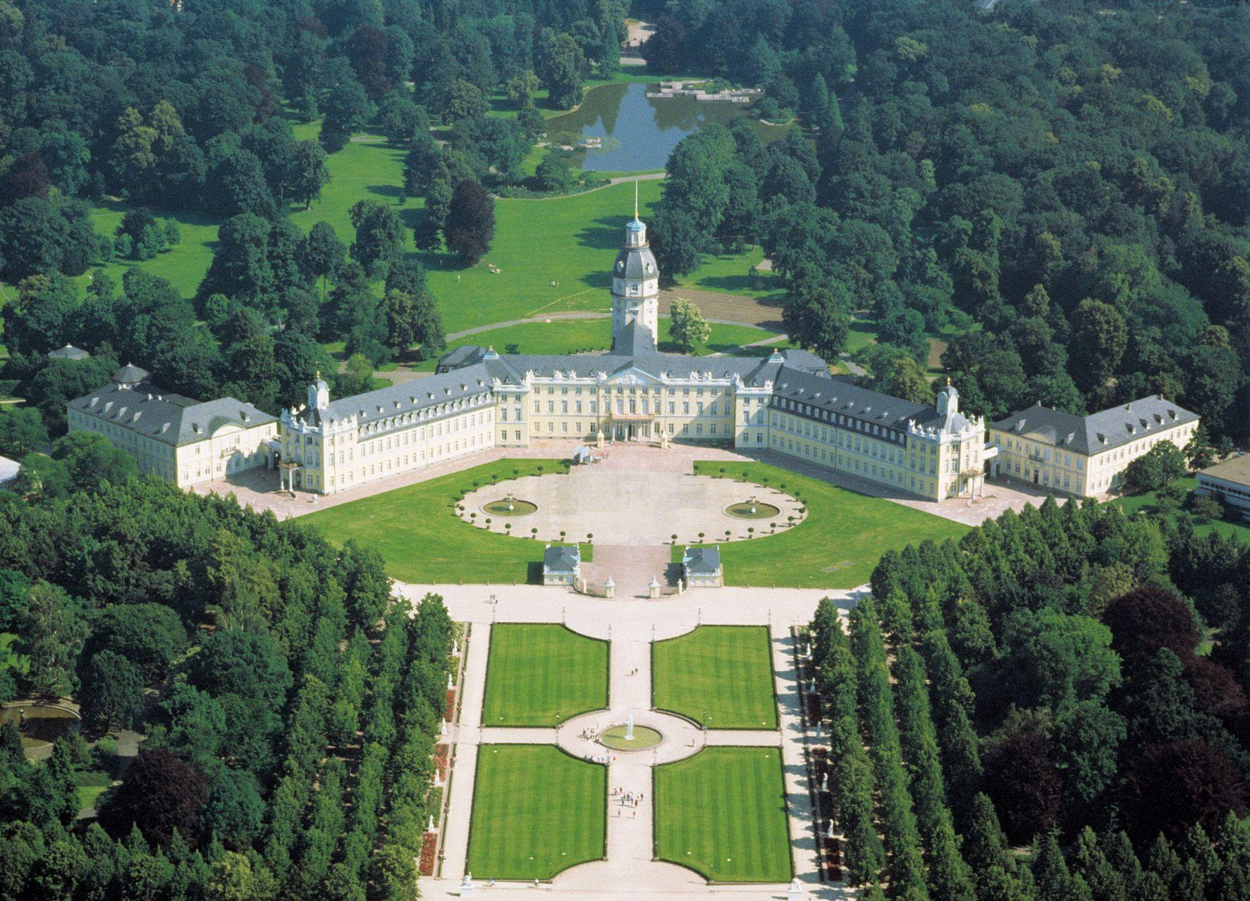 Schloss Karlsruhe Karlsruhe Bilder Burg