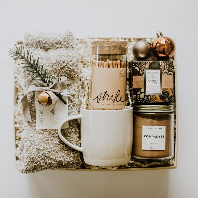 13 Unique Holiday Party Gift Ideas For Hosts Regalos Navidenos