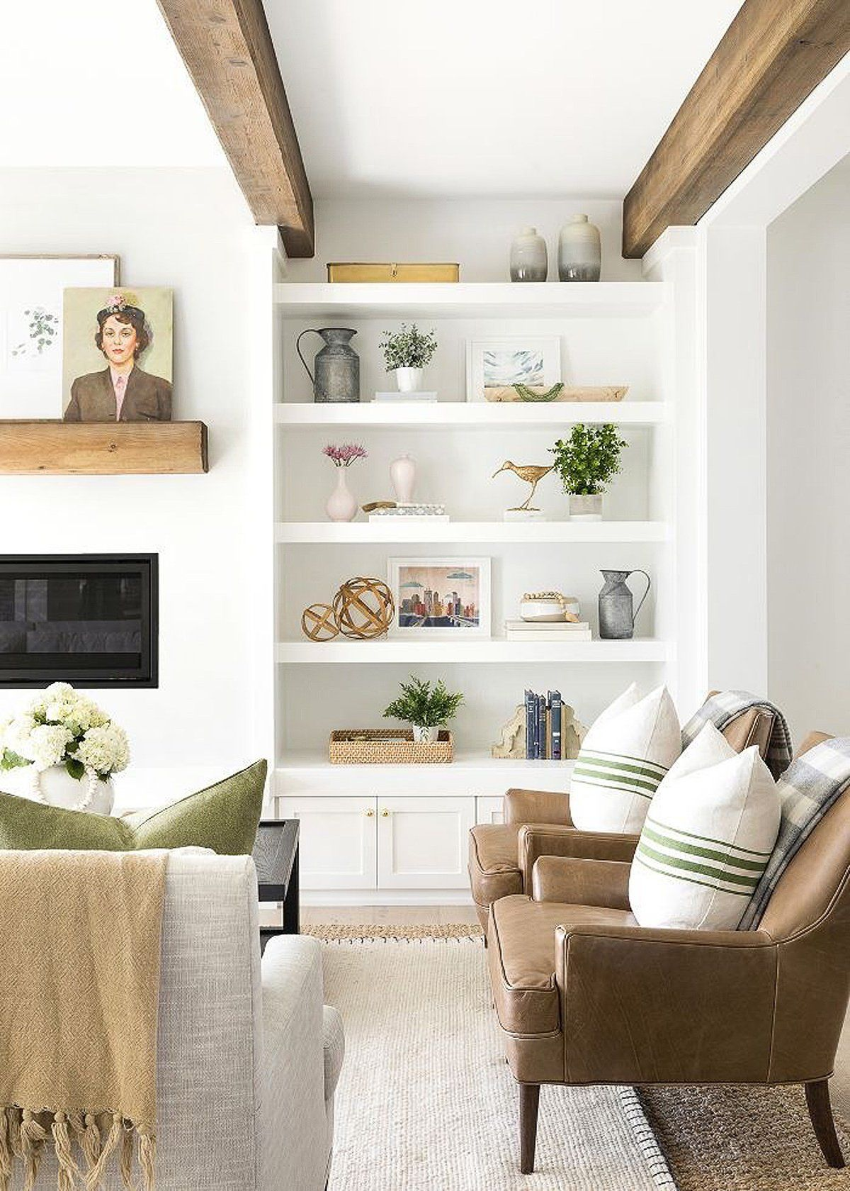 Mix and Match Shelf Styling Home Decor   How to Style Built-in Bookshelves   Layering Height and Size on Shelves   Styling Bookshelves: The Ultimate How-To Guide   Charleston Blonde  #shelfstyling #stylingbookshelves #bookshelfinspo #shelfie #interiordesign #homedecor