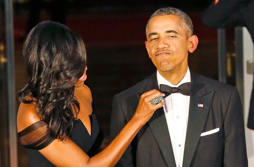Letzter Outfitcheck, bevor die Gäste da sind: Die Obamas sind eben auch nur...