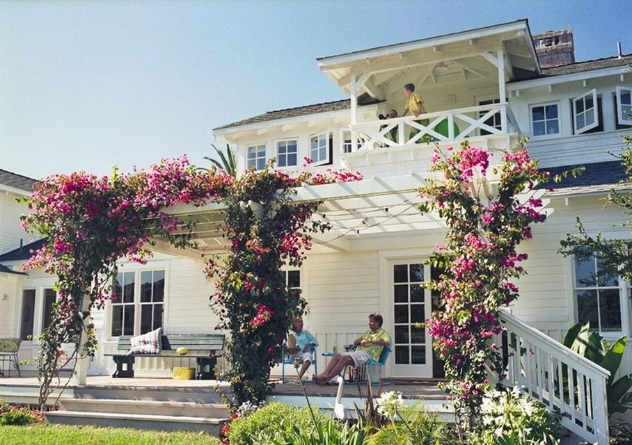 A California Beach Style Home And Some Cottages Too Talk Of The House