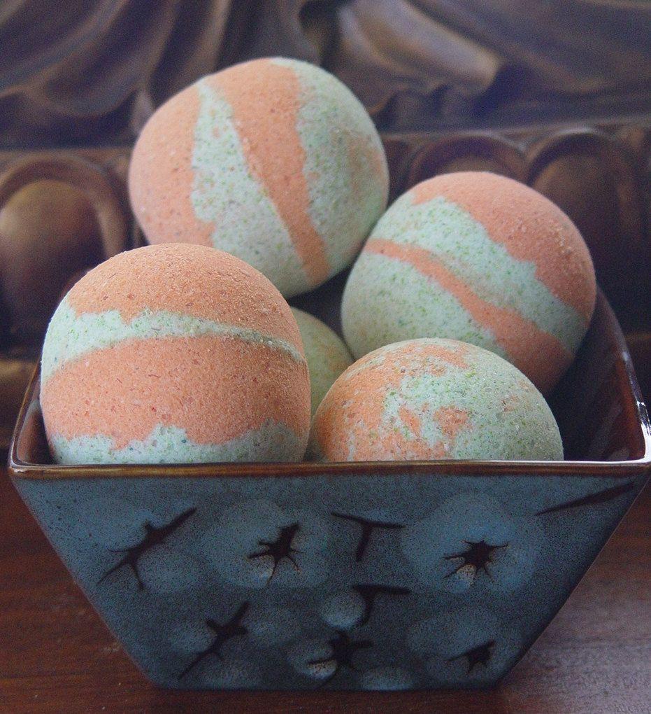 Cucumber Melon Bath Bomb|7oz+|Handmade|All Natural - pinned by pin4etsy.com